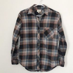 ⚡️3 for $25⚡️Wilfred Free Aritzia Plaid Button Up